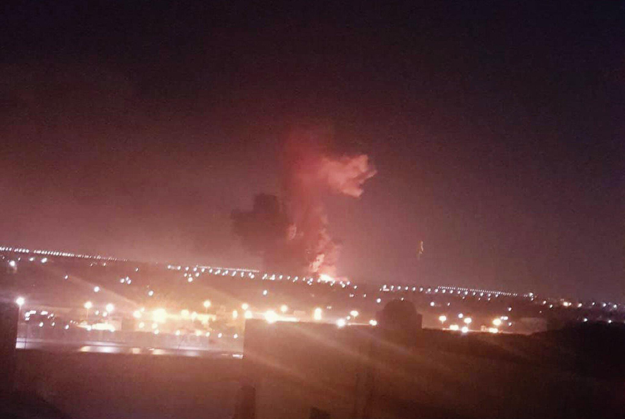 Bild zu Explosion in Chemiefabrik in Kairo