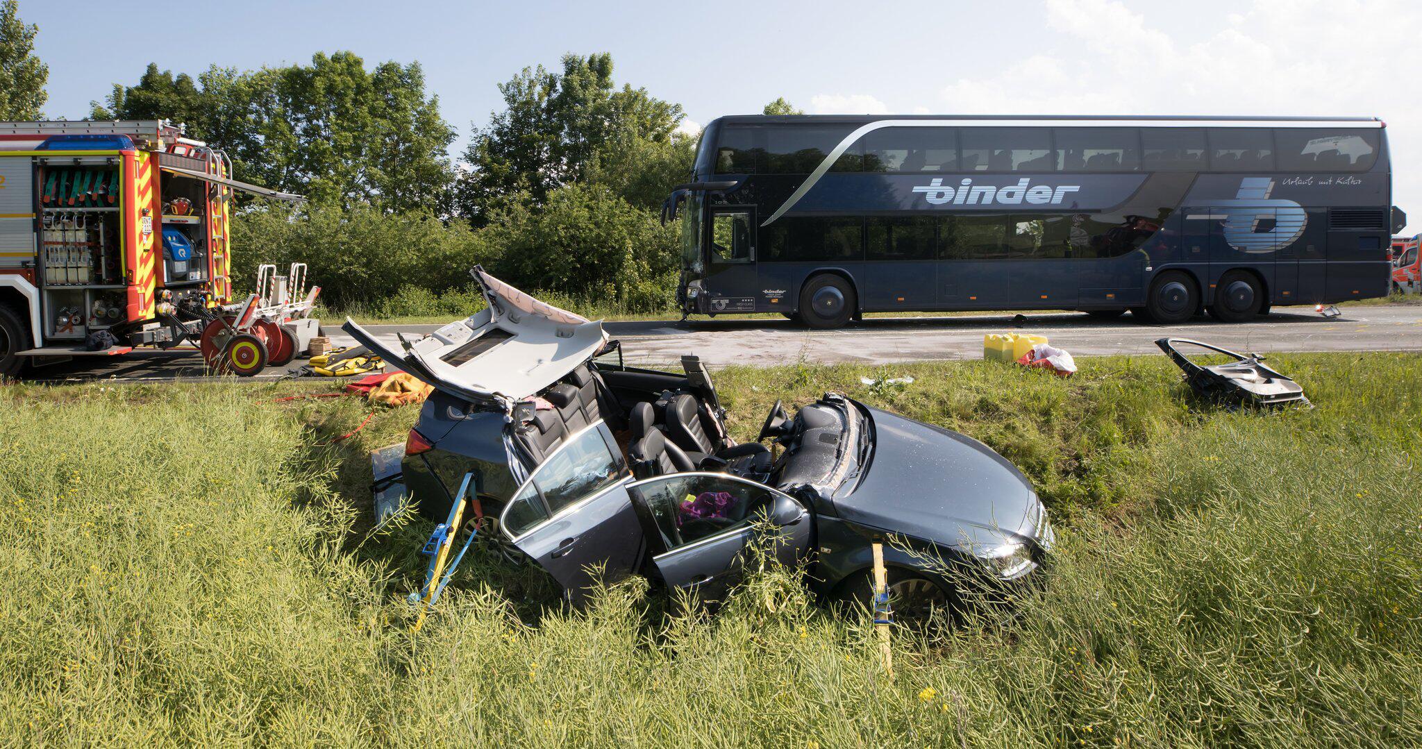 Bild zu Several injured after coach accident with schoolchildren