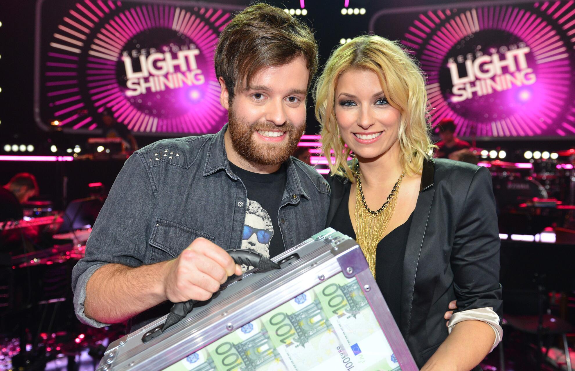 """Bild zu Fabian Bruck (22) gewinnt in der zweiten Folge von """"Keep Your Light Shining"""" 50.000 Euro"""