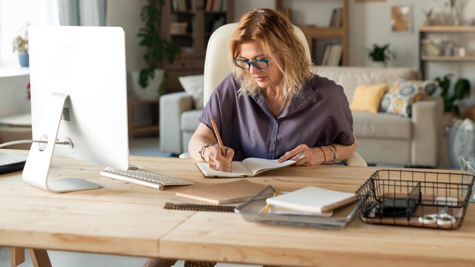 homeoffice, büro, zuhause, corona, arbeiten, gadgets, heimarbeit, schreibtisch, arbeitsplatz