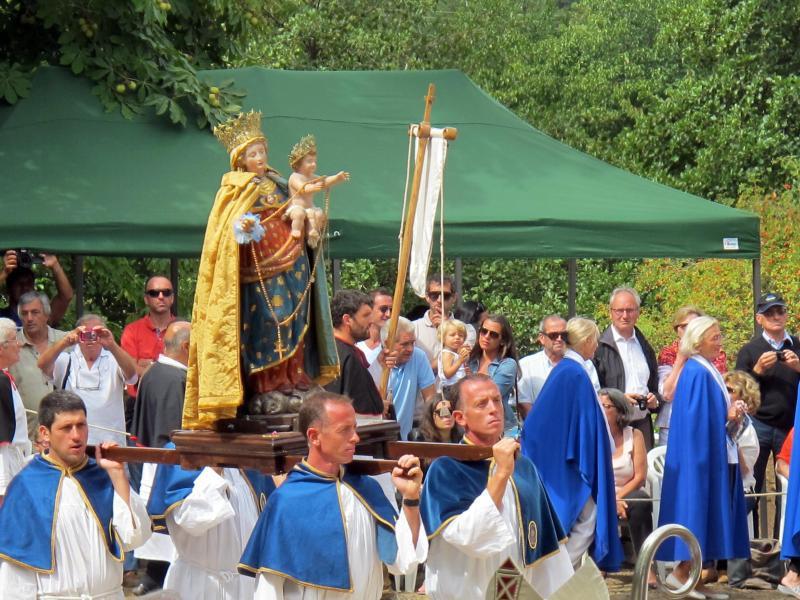 Bild zu Prozession zu Ehren der Jungfrau Maria