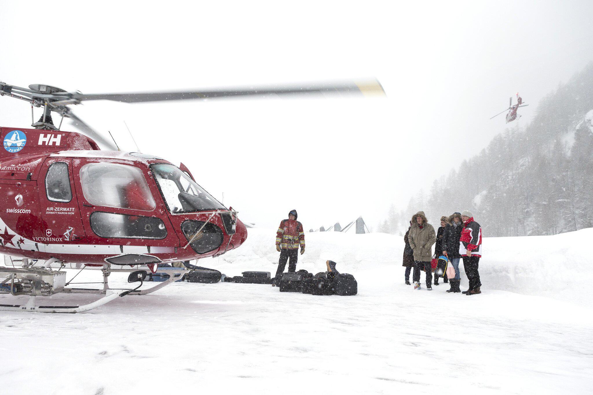 Bild zu Zermatt weitgehend von der Außenwelt abgeschnitten