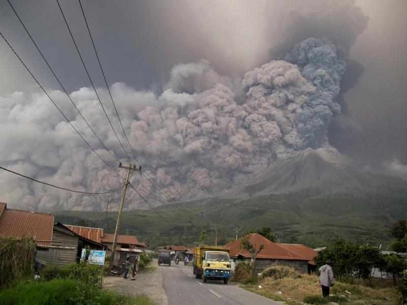 Bild zu Vulkan Sinabung