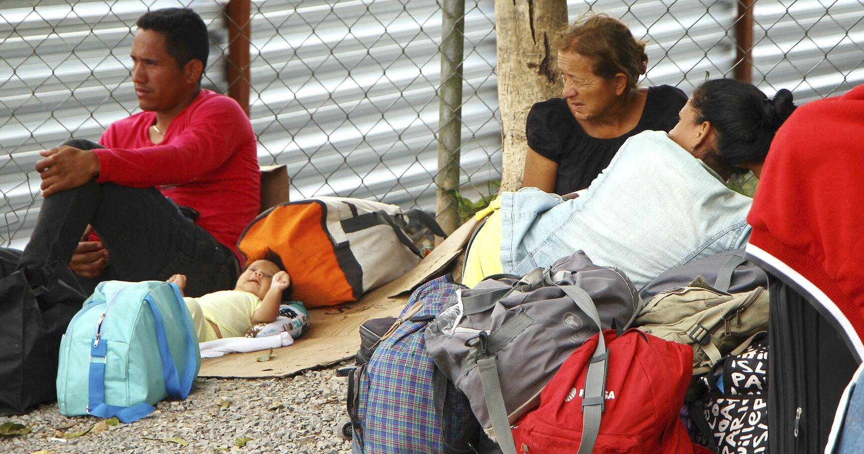 Bild zu Venezolanische Flüchtlinge verlassen Brasilien nach Übergriffen