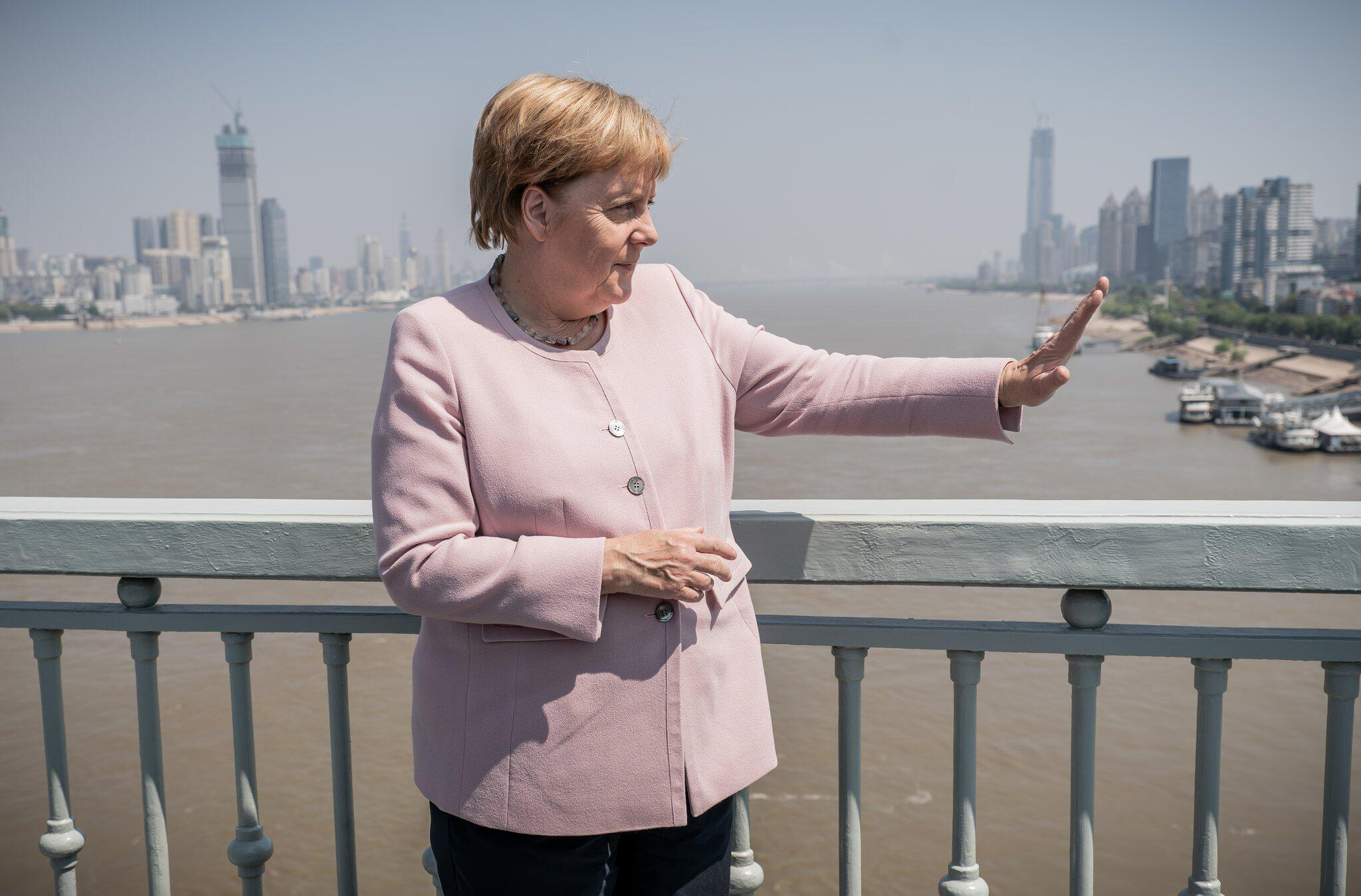 Bild zu Chancellor Merkel in China