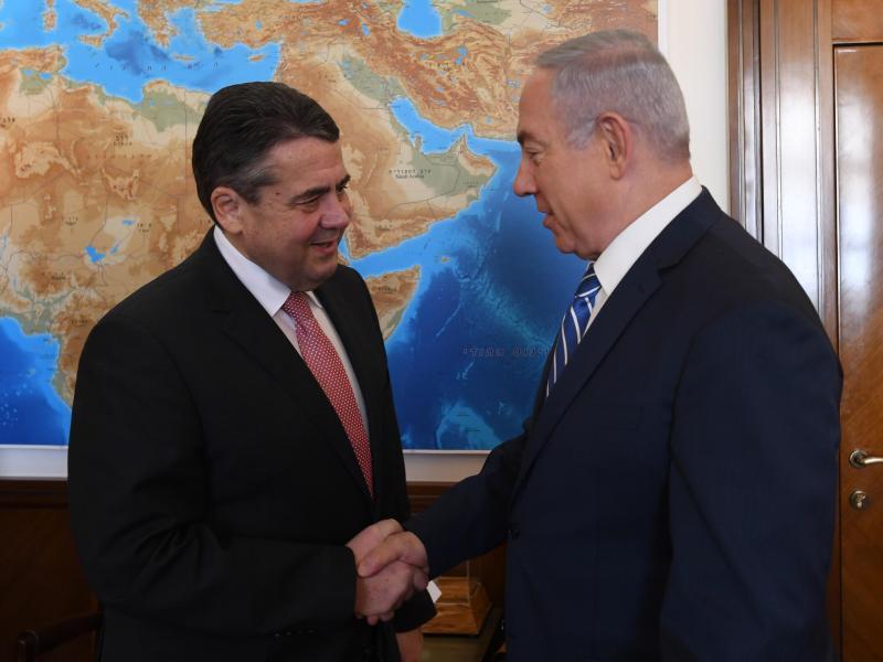 Bild zu Gabriel und Netanjahu