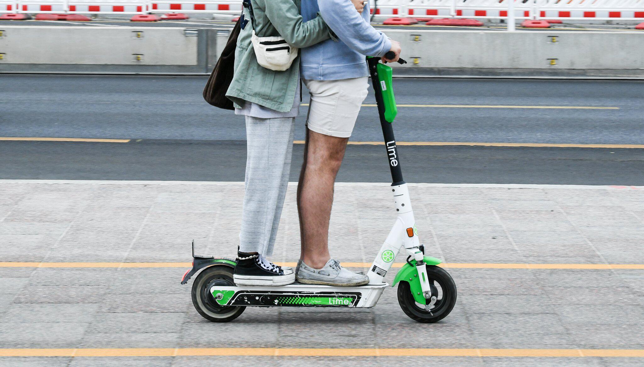 Bild zu E-Scooter im Straßenverkehr