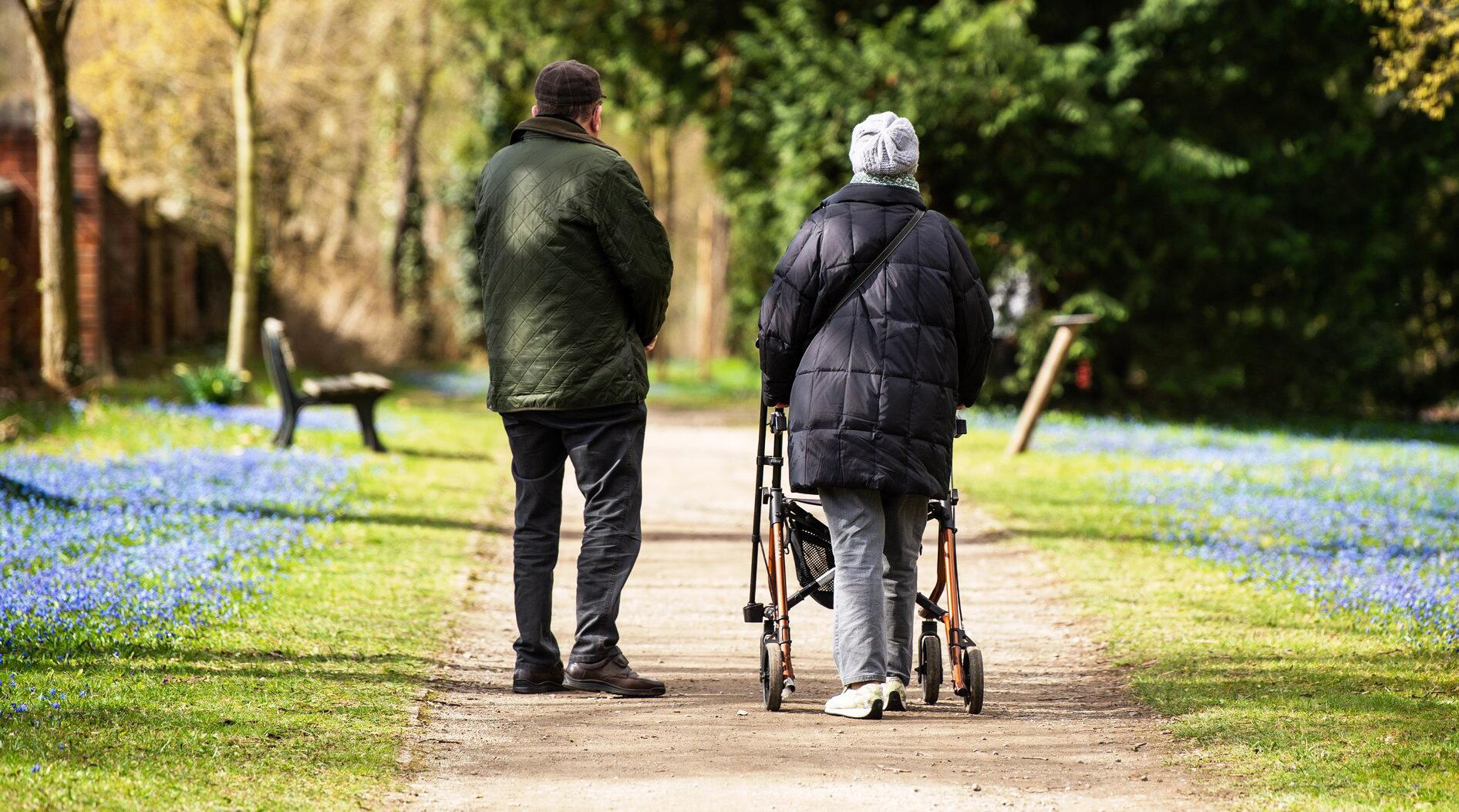 Deutschland renten steigen um mehr als drei prozent 1 1 for Rente grundsicherung hohe