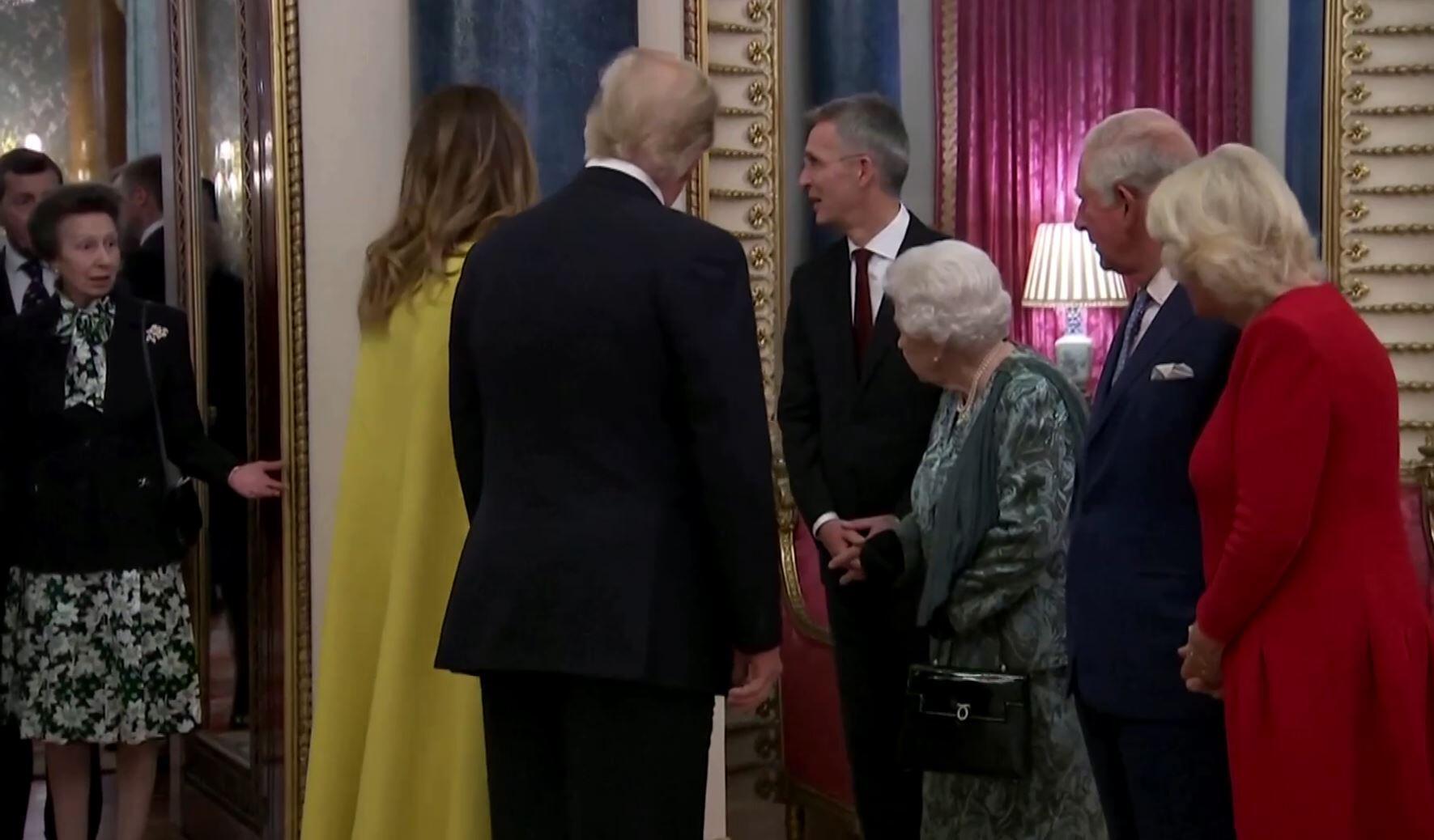 Bild zu Princess Anne & die Queen
