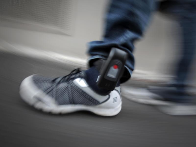 Bild zu Elektronische Fußfessel