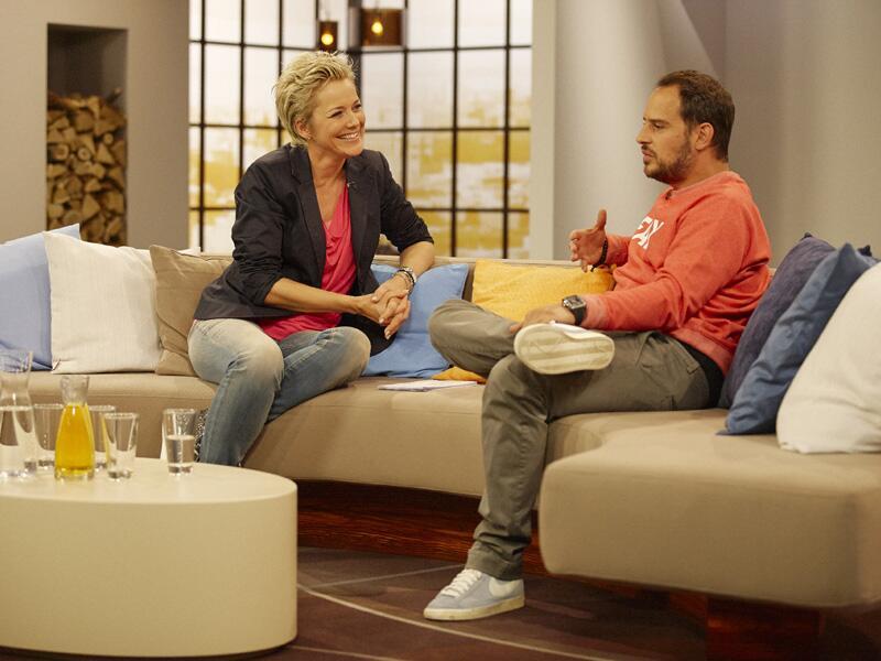 Bild zu Inka Bause talkt im ZDF mit Moritz Bleibtreu