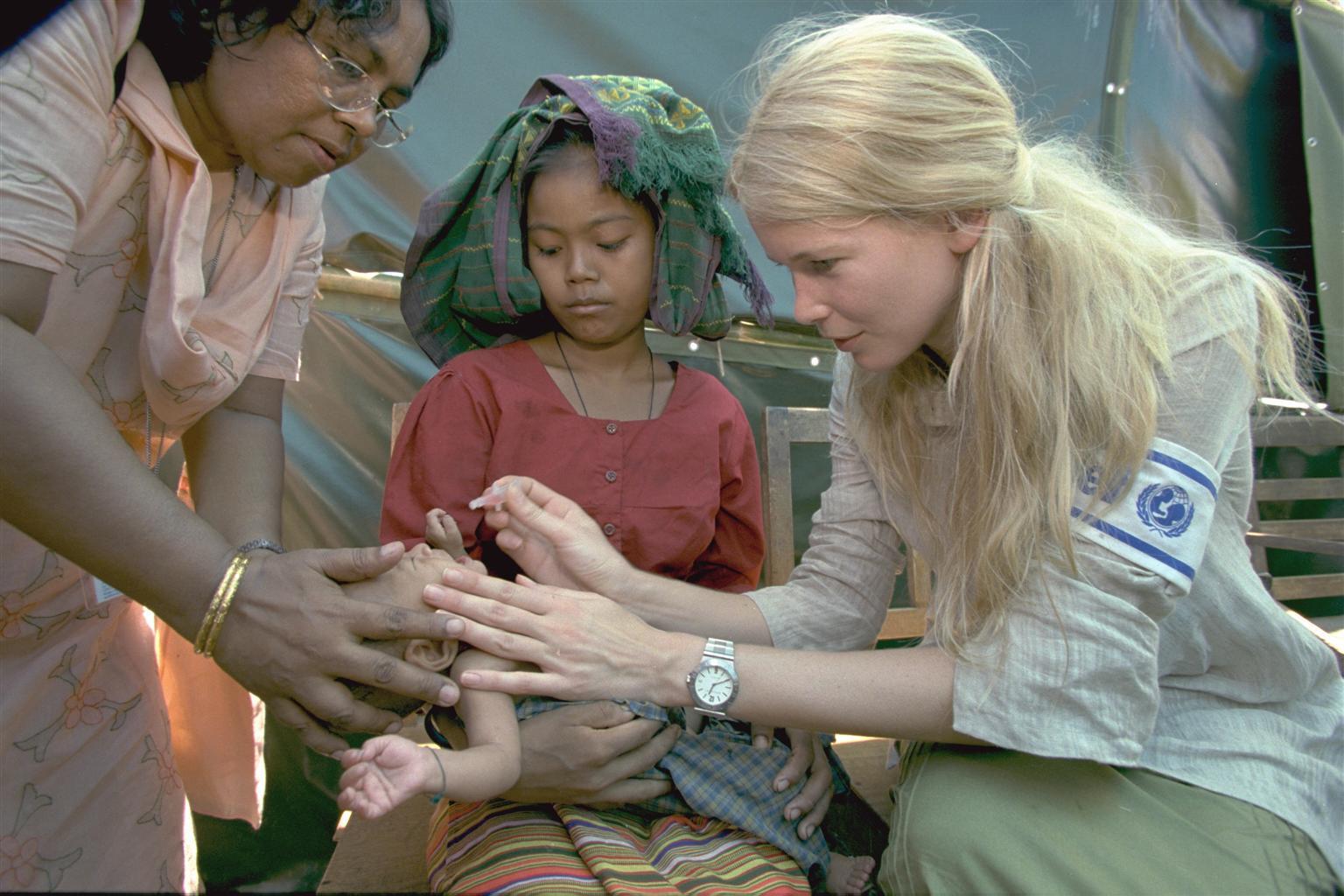 Bild zu Claudia Schiffer, UNICEF, Bangladesch