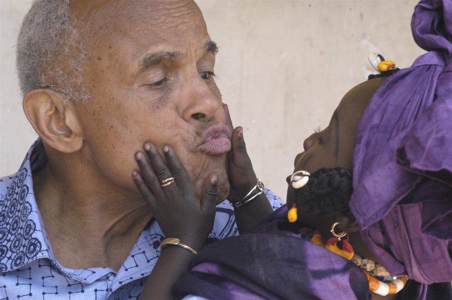 Bild zu Harry Belafonte, UNICEF, Senegal