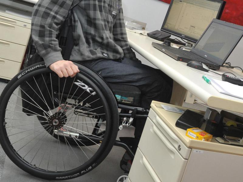 Bild zu Schwerbehinderter am Arbeitsplatz