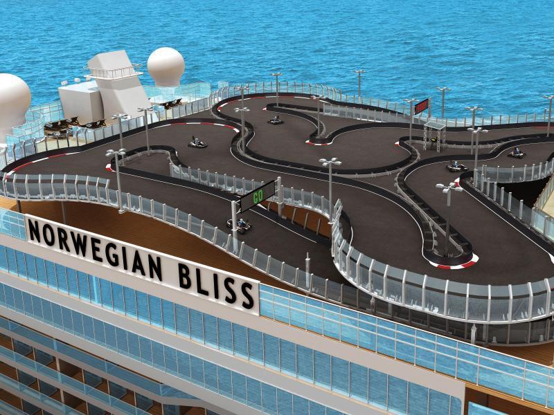 Bild zu Kartbahn auf der Norwegian Bliss