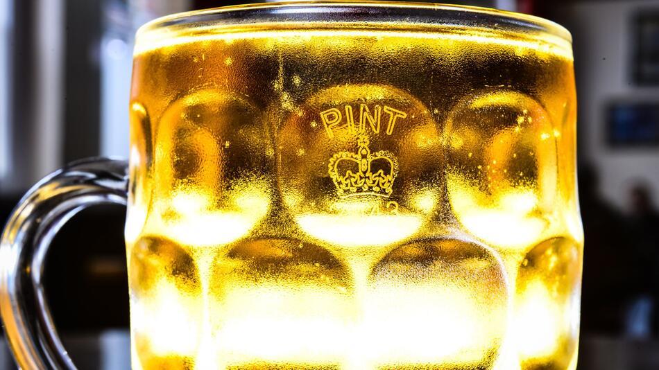 Crown Stamp auf Pint-Glas