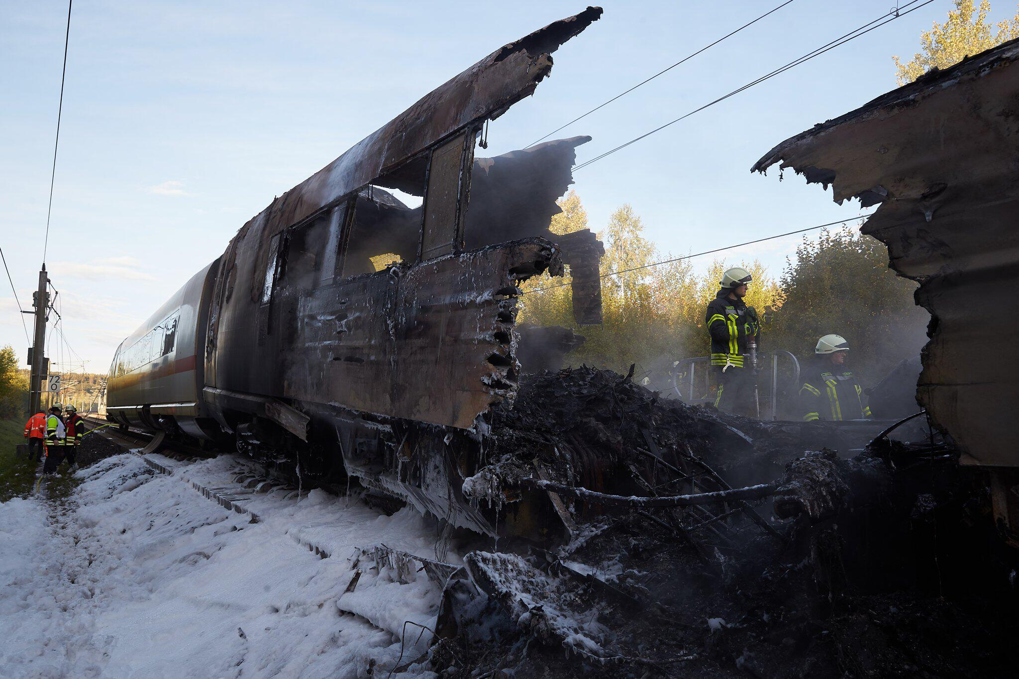 Bild zu ICE cars catch fire