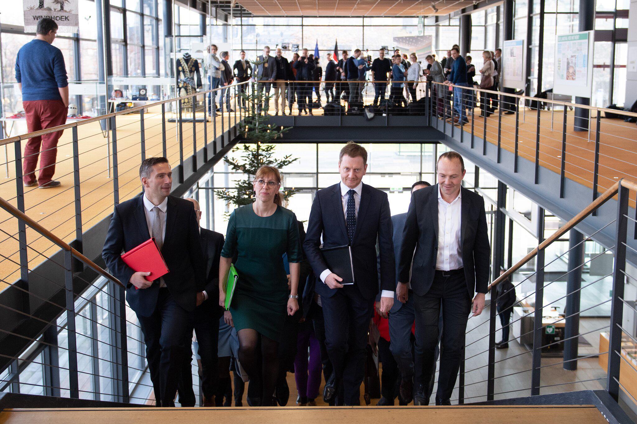 Bild zu Koalitionsvertrag Sachsen