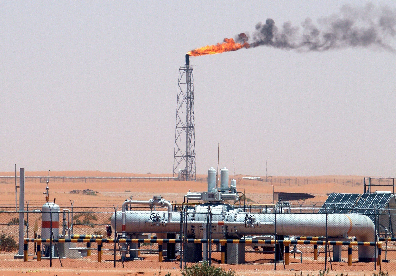 Bild zu Eine Öl-Raffinerie in Saudi-Arabien wurde angegriffen.