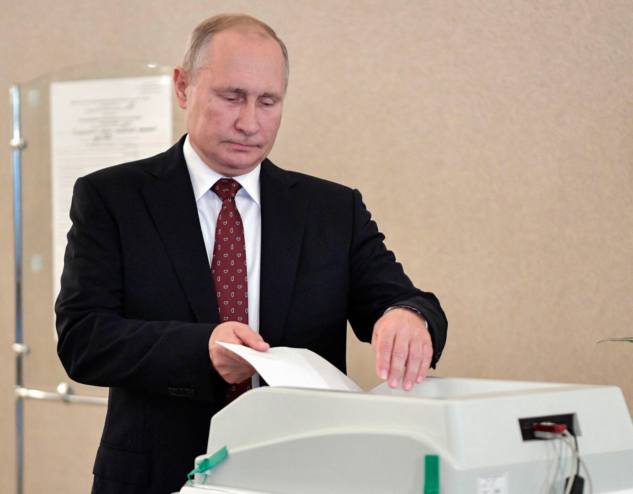 Bild zu Regionalwahlen - Wladimir Putin