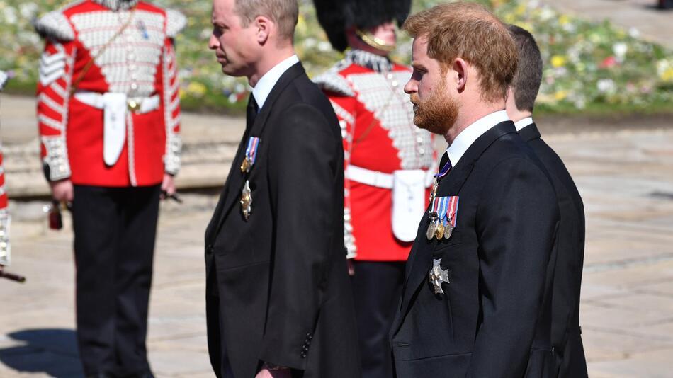 Prinz William und Prinz Harry treffen bei einer Diana-Statuen-Enthüllung mal wieder aufeinander.
