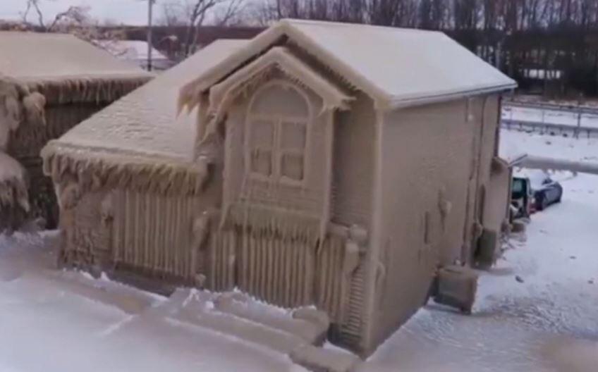 Bild zu Haus, Eis, vereist, Eisschloss