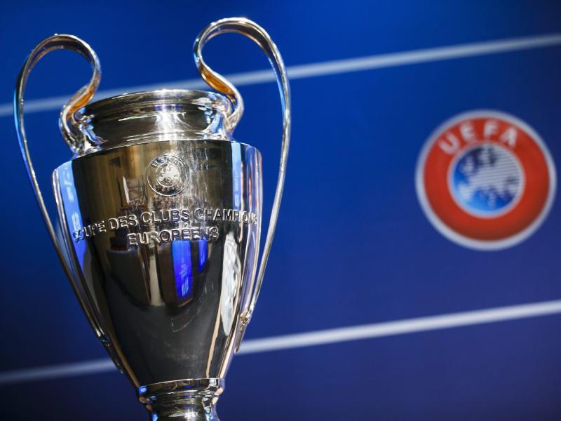Bild zu Champions League Pokal