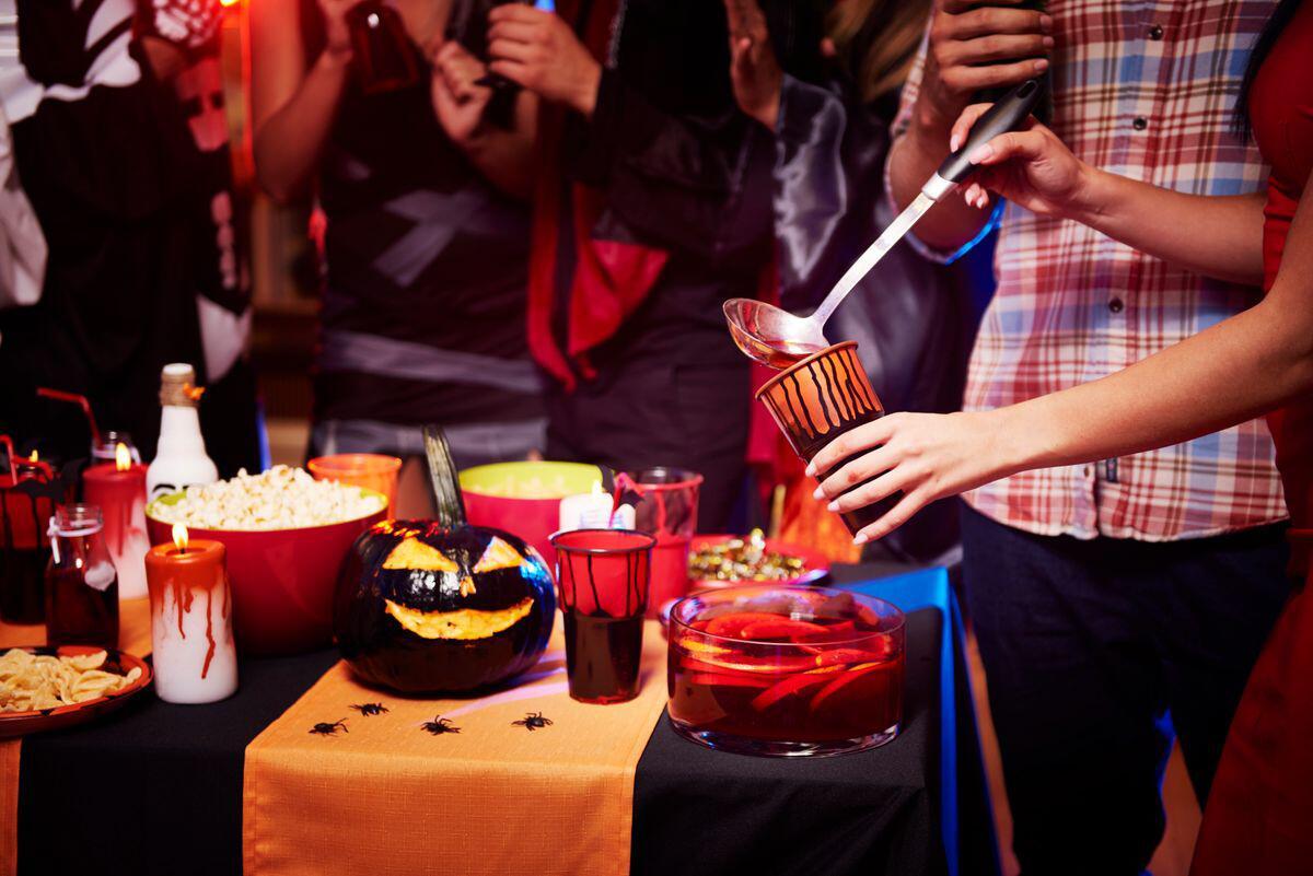 Bild zu Halloween, Party, Cocktails, Idee, Grusel, longdrink, alkohol, getränke, rezepte