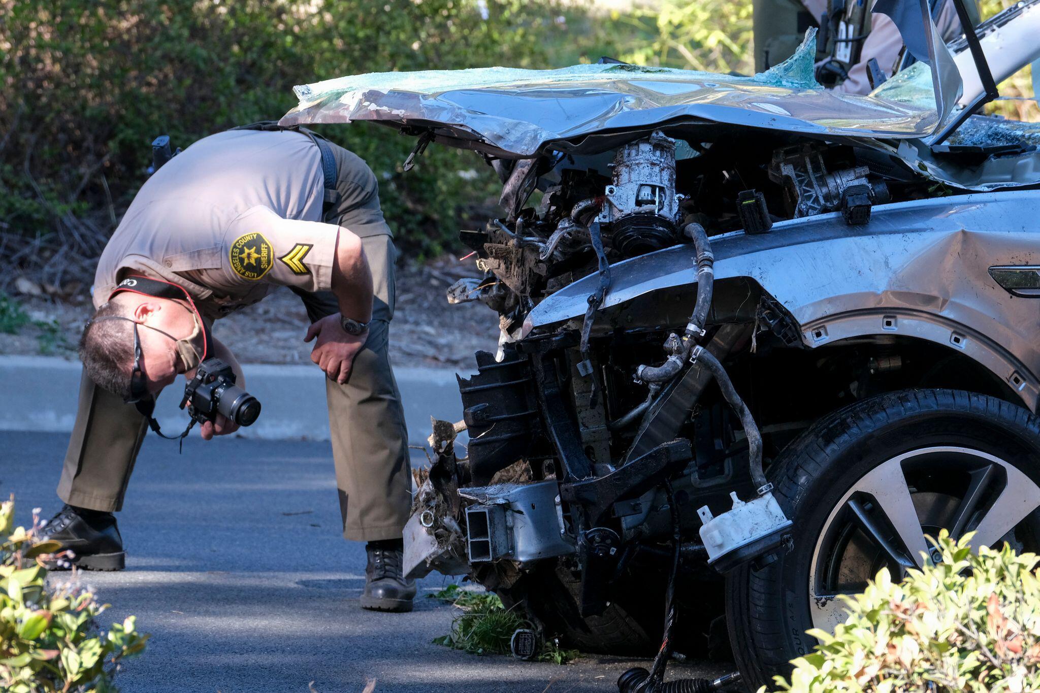 Bild zu Golf-Profi Tiger Woods bei Verkehrsunfall verletzt