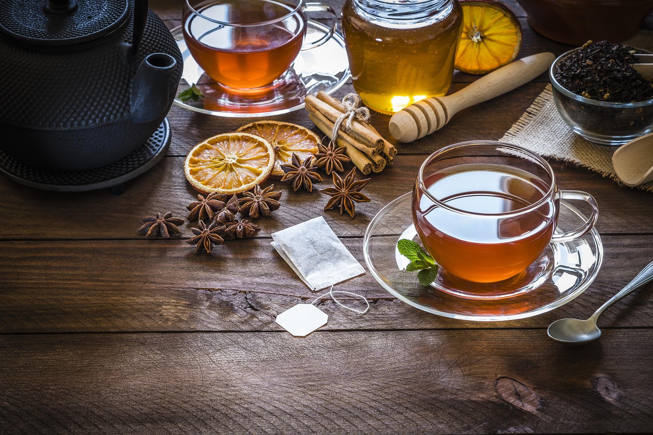 Bild zu Tee, Teeliebhaber, Teesorten, Teezubehör, Teeservice, Teekanne, Teetasse, Teebeutel