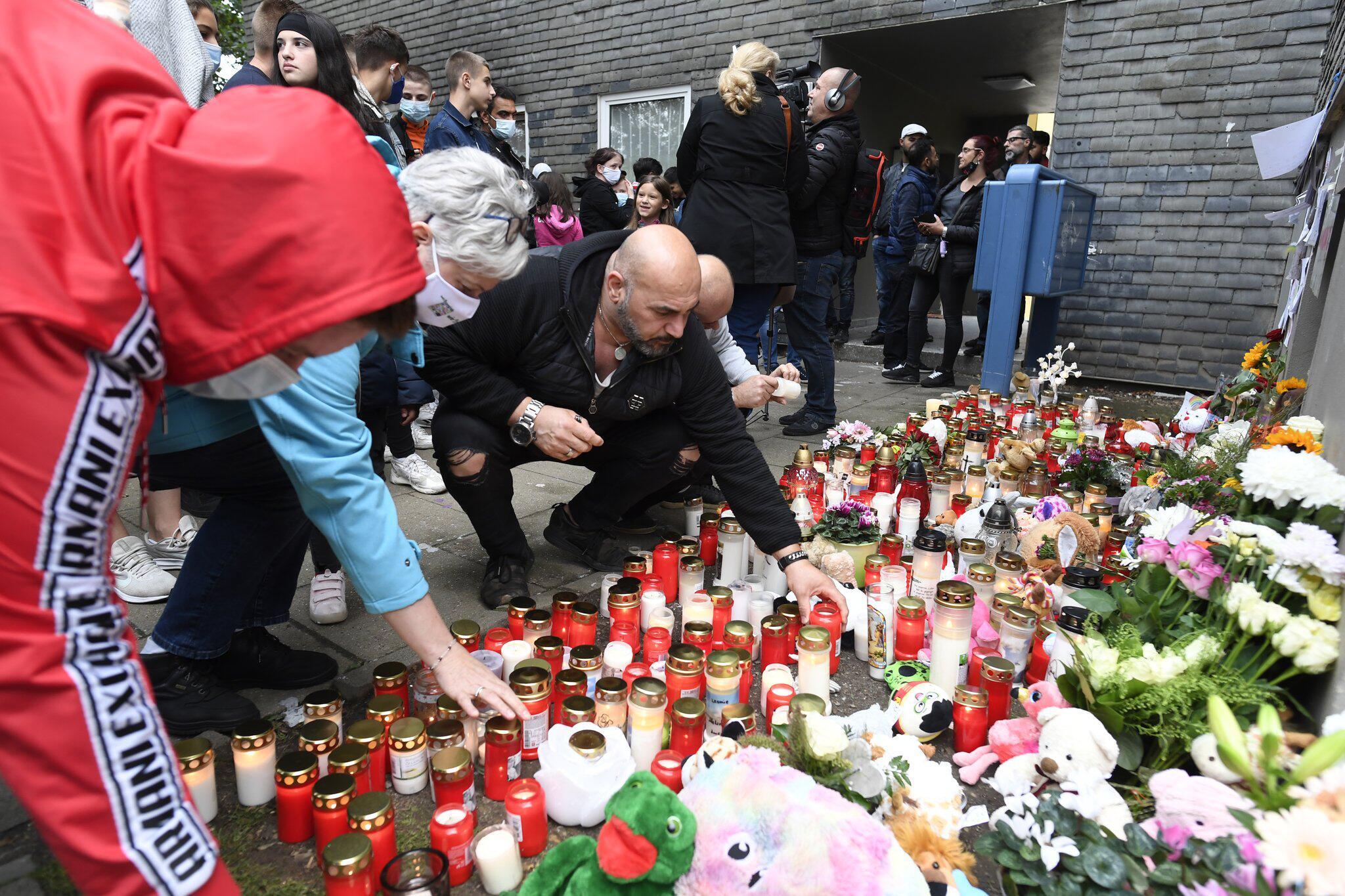 Bild zu Memorial for Solingen five dead children