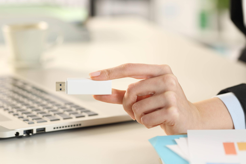 Bild zu USB-Stick mit Daten aus der Arbeit mitnehmen: Ist das erlaubt?