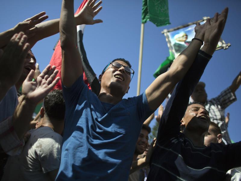 Bild zu Feiernde Palästinenser