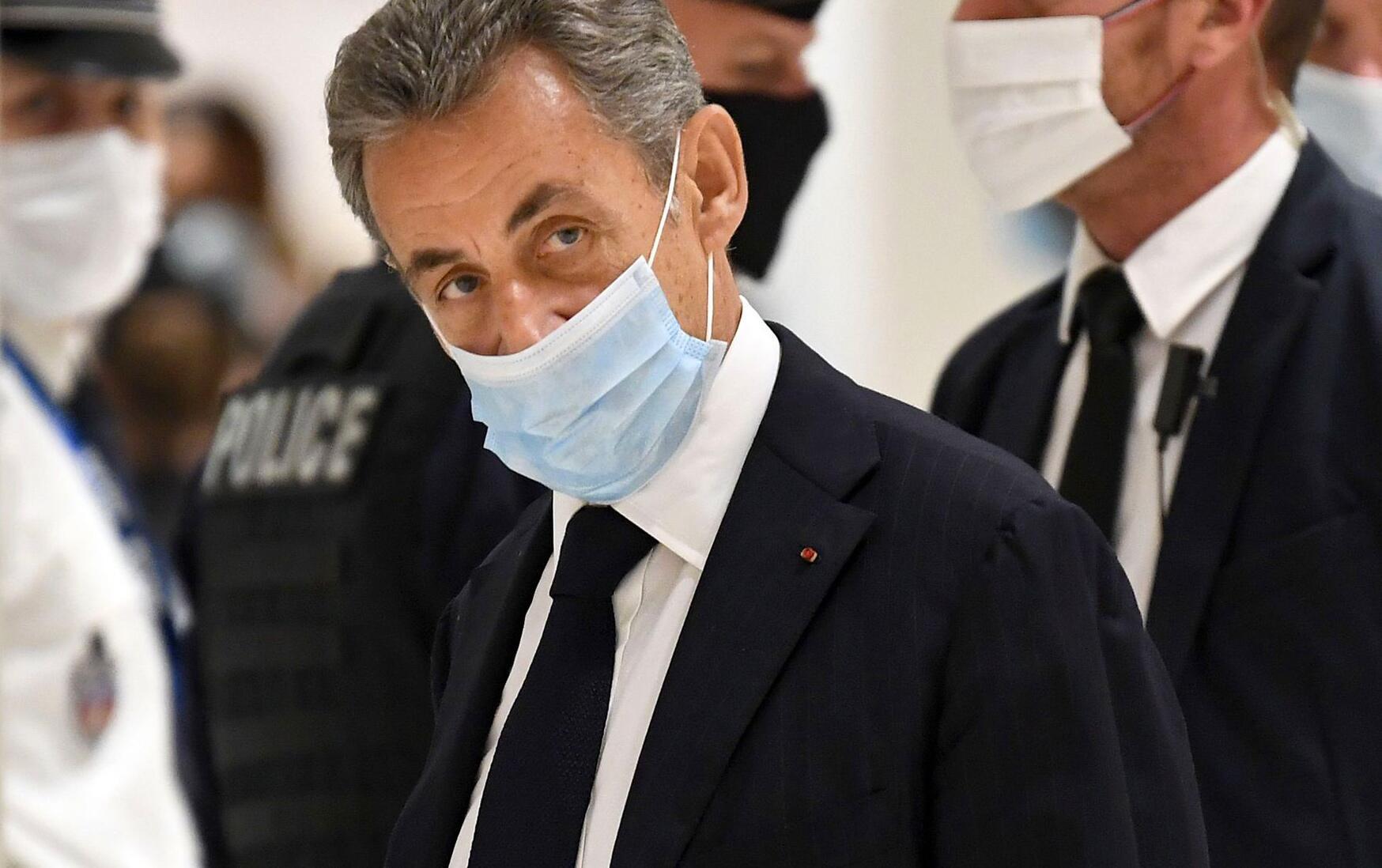 Bild zu Prozess gegen ehemaligen französischen Präsidenten Sarkozy