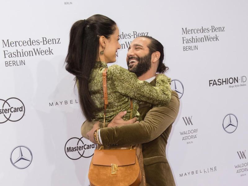 Bild zu Berliner Fashion Week - Rebecca & Massimo