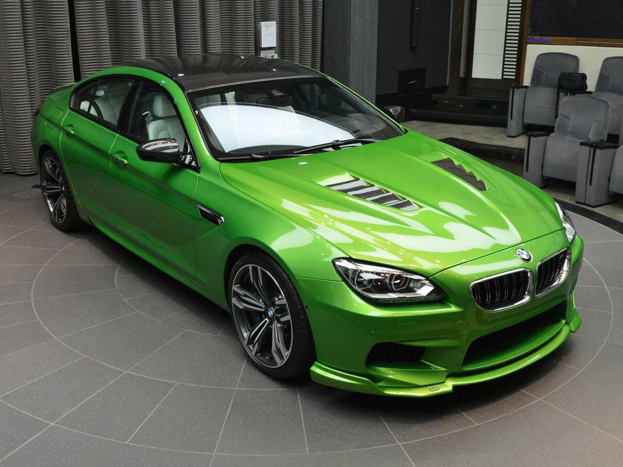 """Bild zu """"Green Lantern"""" in Abu Dhabi: Grünes BMW M6 Gran Coupé ausgestellt"""