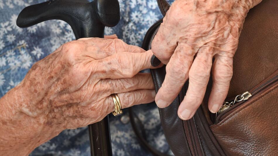 Über-Hundertjährige in Deutschland
