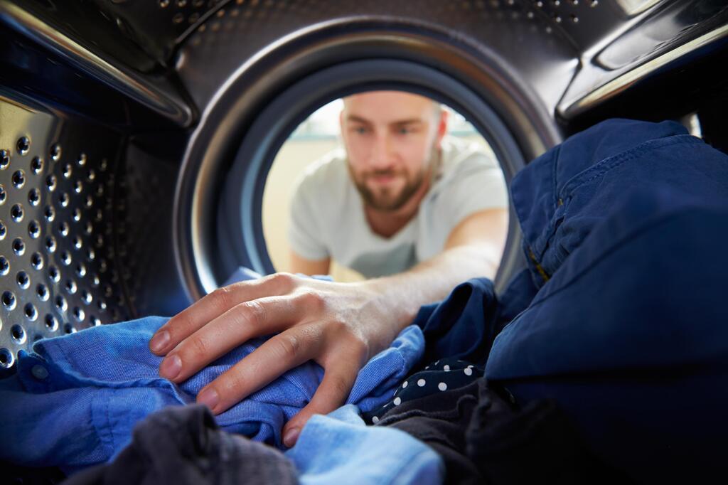 Haushalt, Haushaltsgeräte, Waschmaschine, Spülmaschine, Waschen, Spülen, Trockner
