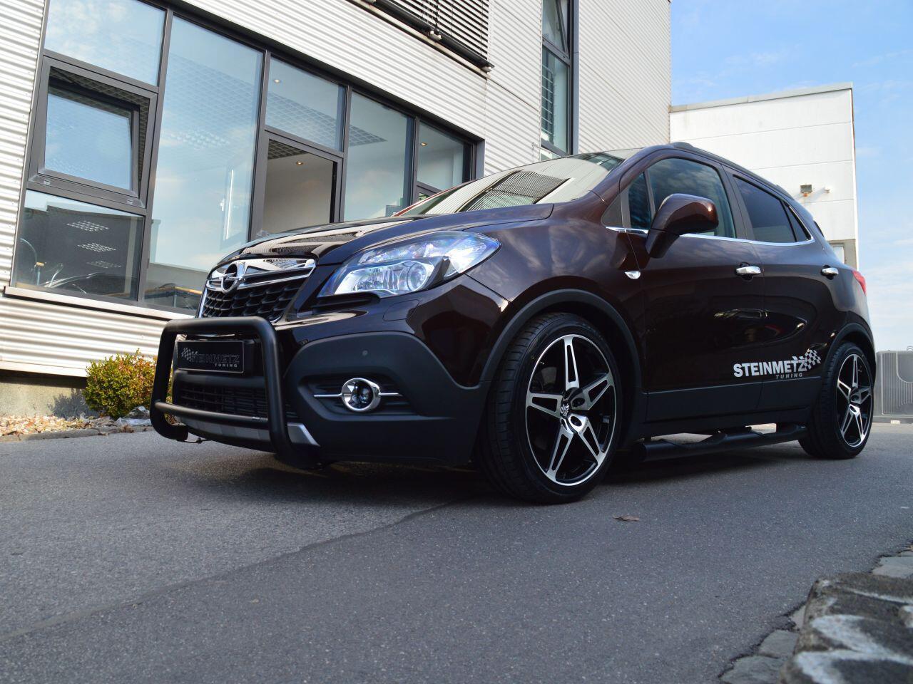 Bild zu Opel-Tuner Steinmetz hat sich den Opel Mokka zur Brust genommen