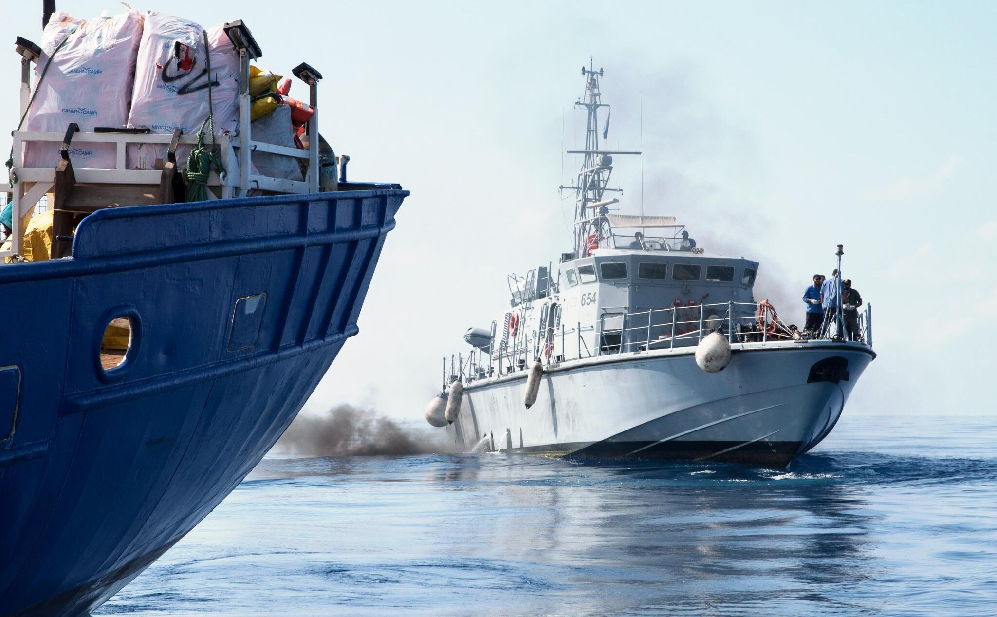 Bild zu Flüchtlinge auf Rettungsschiff, Mittelmeer