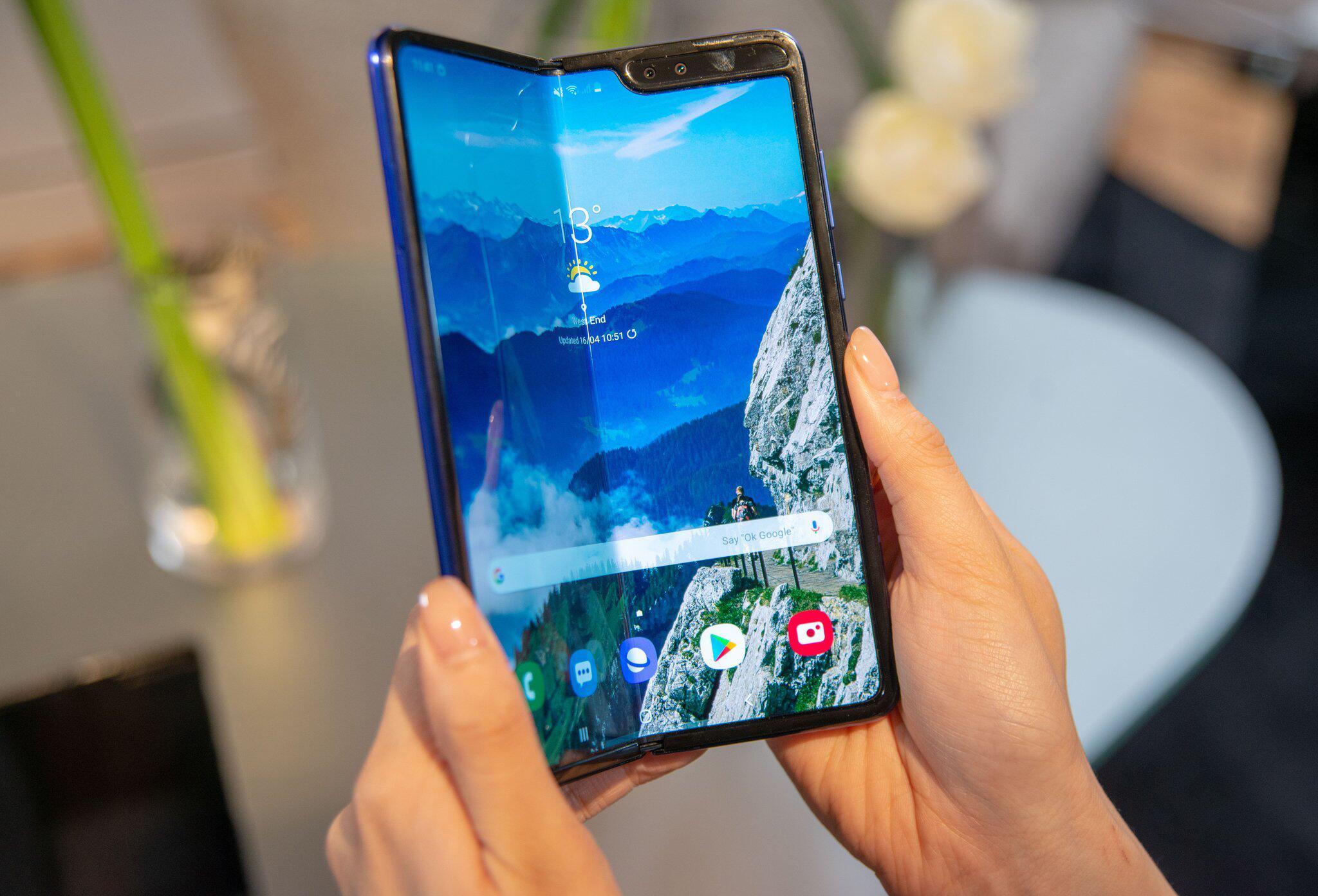 Bild zu Samsung verschiebt Start seines Auffalt-Smartphones