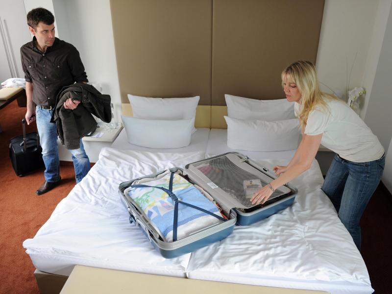 wann bekommen pauschalurlauber geld zur ck. Black Bedroom Furniture Sets. Home Design Ideas