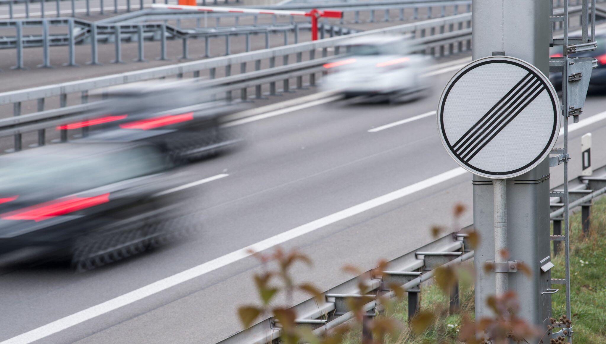 Bild zu Auf der Autobahn - ohne Tempolimit