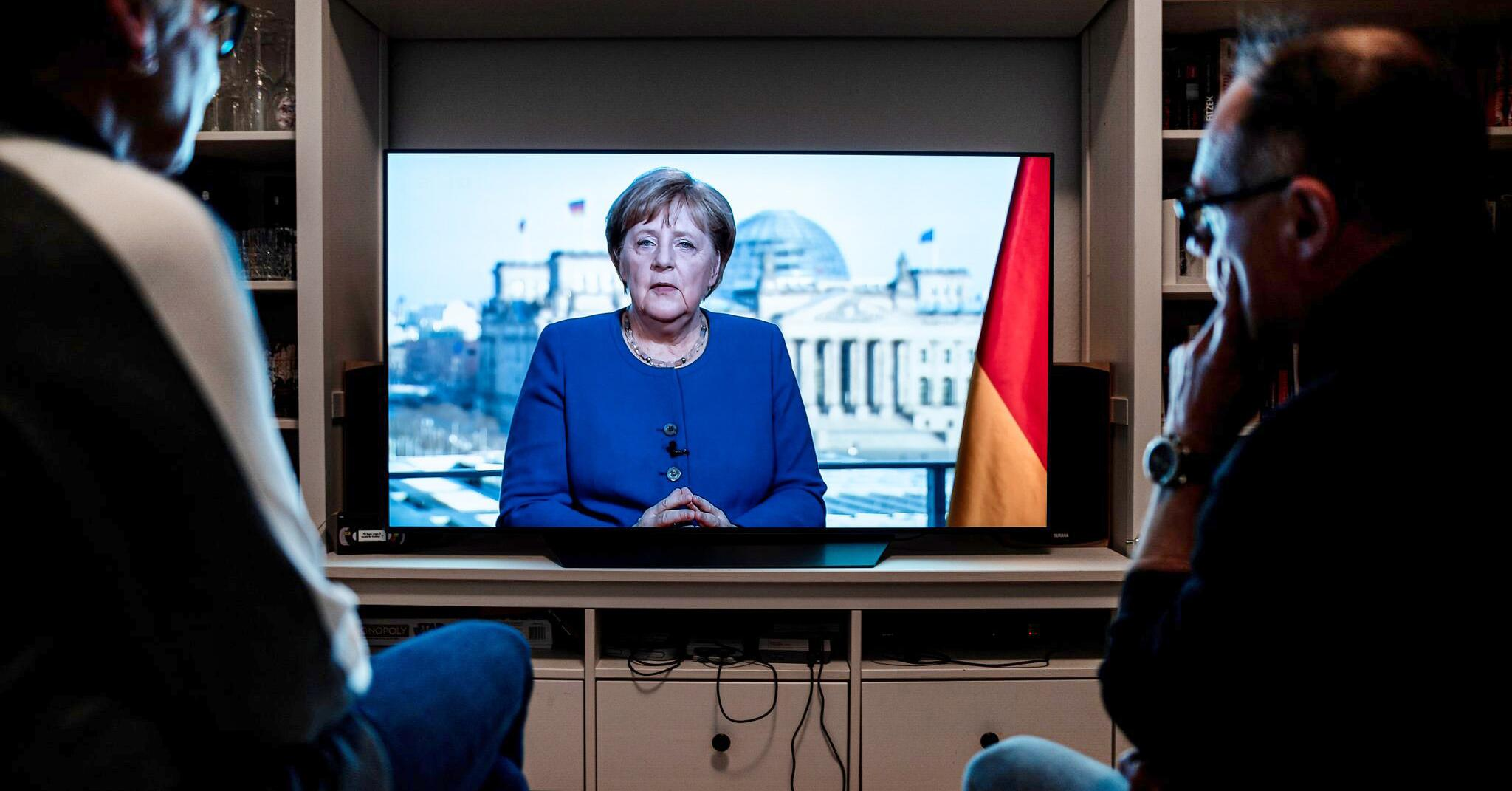 Bild zu Coronavirus - Merkel hält Fernsehansprache