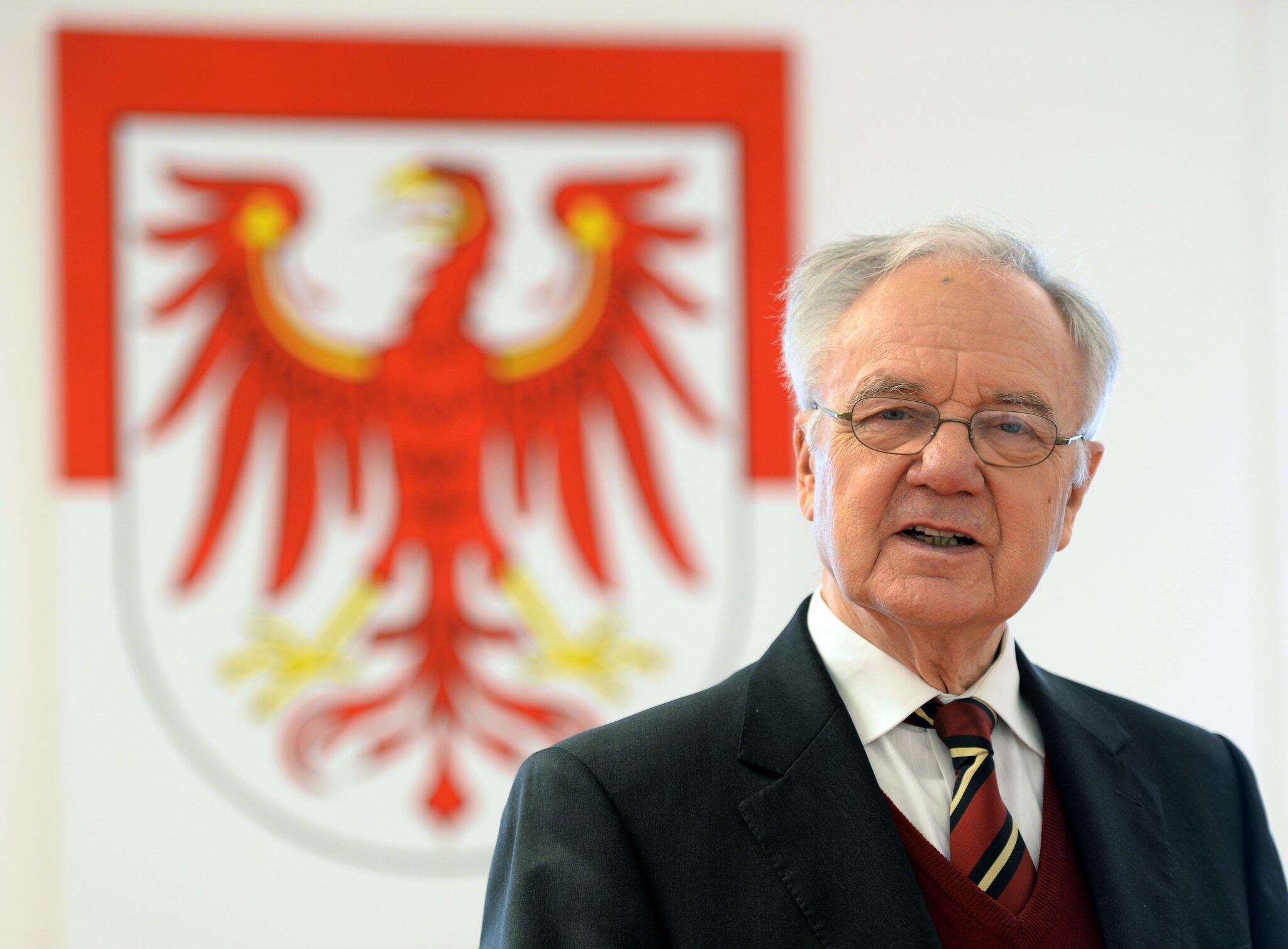 Bild zu Brandenburgs Ex-Regierungschef Manfred Stolpe ist tot