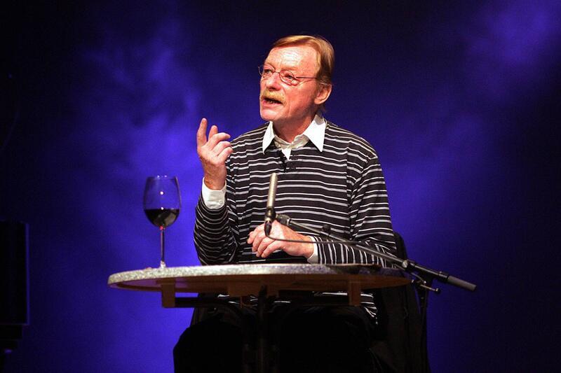Bild zu Otto Sander als Erzähler
