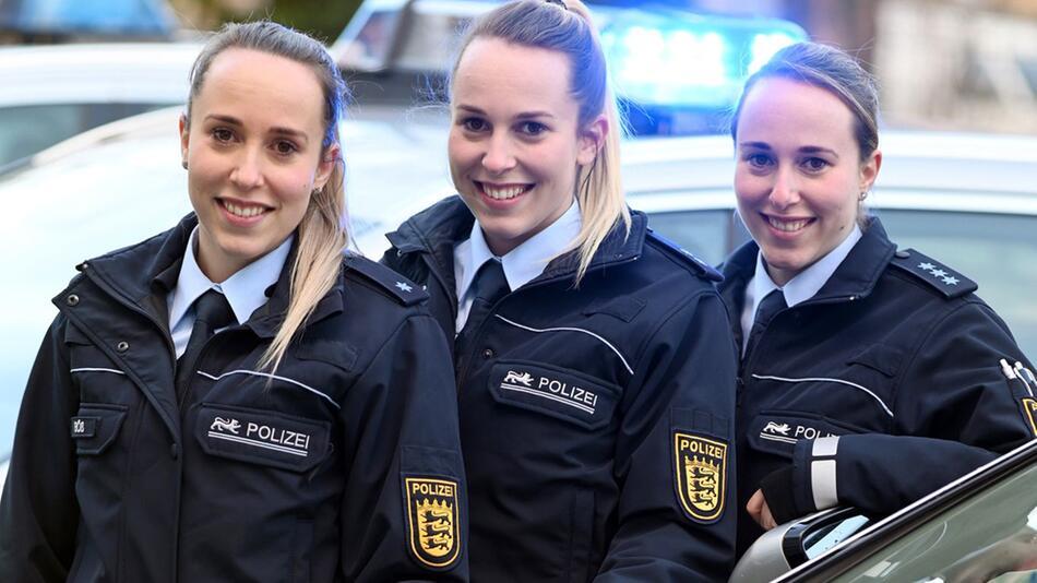 Drillinge bei der Polizei
