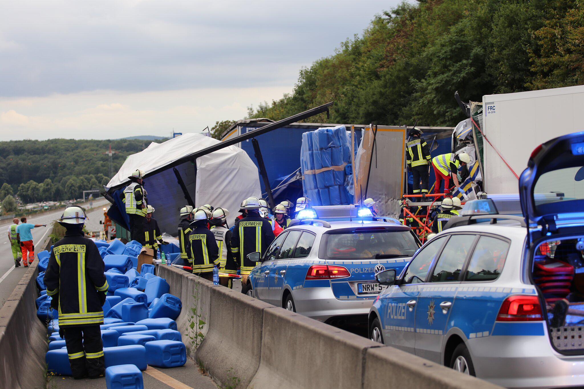 Bild zu Schwerer Lkw-Unfall auf der A1