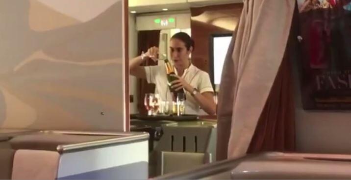 Bild zu Stewardess