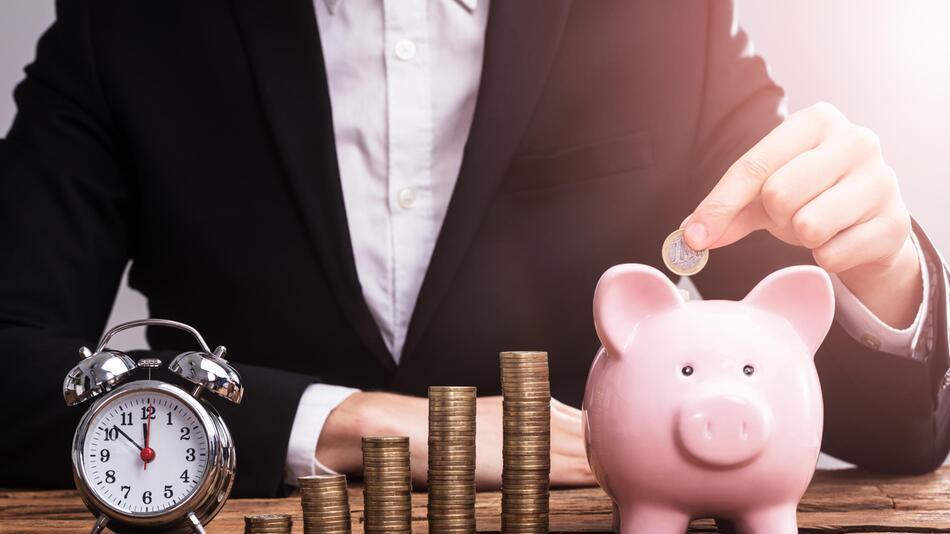 ETF, Fond, Sparen, Geld anlegen, Bank, Finanzen, Depot, Aktien, Börse